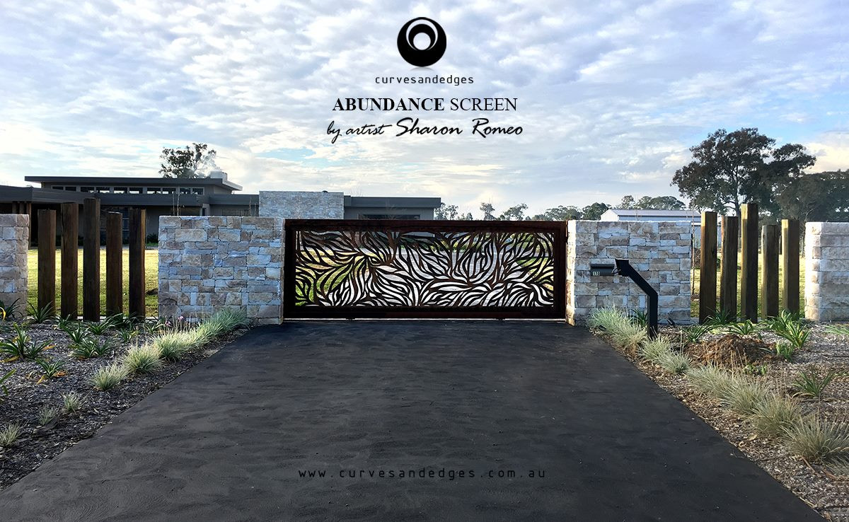 Abundance Design in a Natural Rust Finish Gate