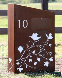 Magnolia Mailbox