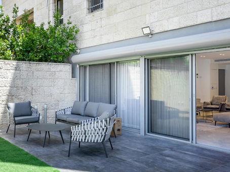 התקנת פרגולה אלומיניום הצללה וסנטף - פרגולות בירושלים