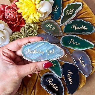 Personalised agate slices are super vers