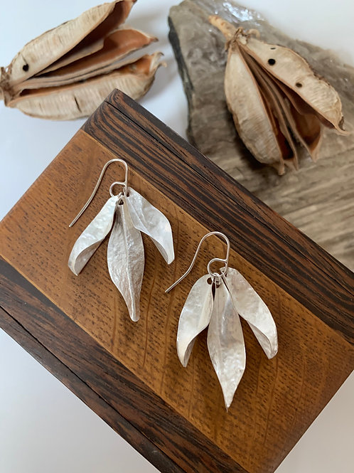 Sterling silver 3 leaf earring