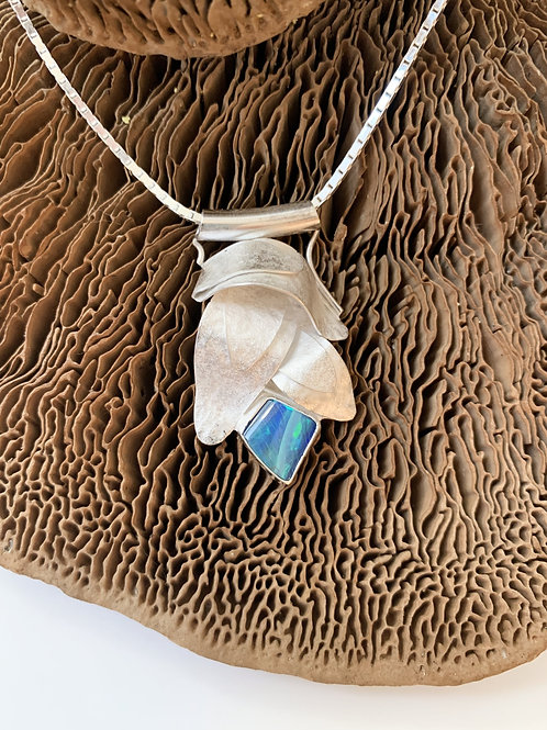 Silverleaf necklace with opal