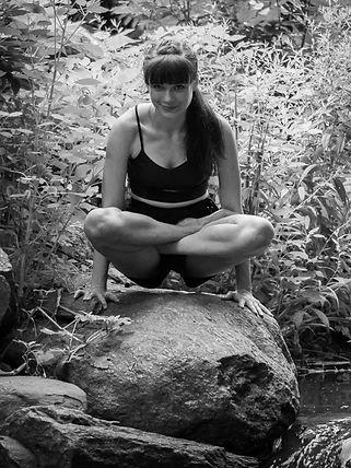 elle yoga shoot14.jpg