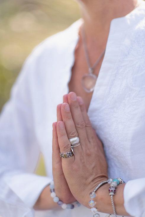 gratefulness-meditation-hand-gesture-BTZ