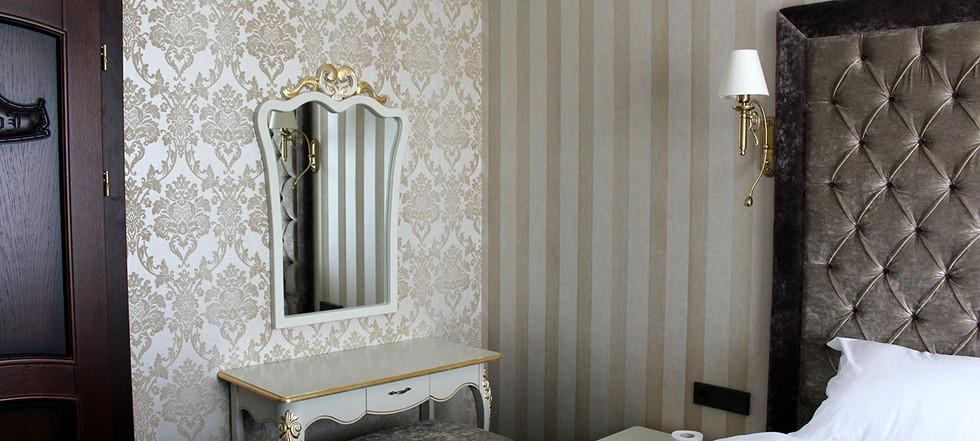 hotel-camelot-10.jpg