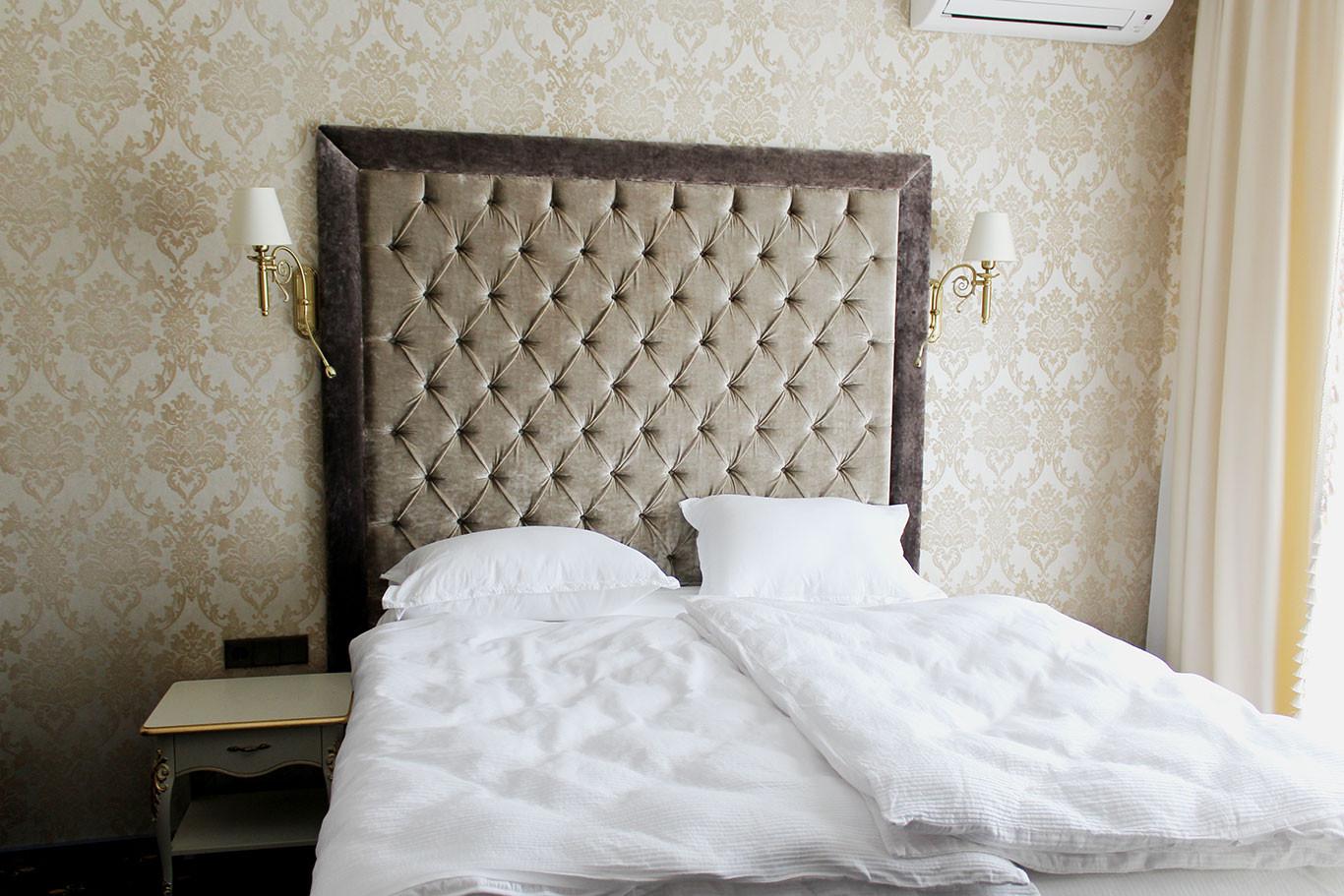 hotel-camelot-09.jpg