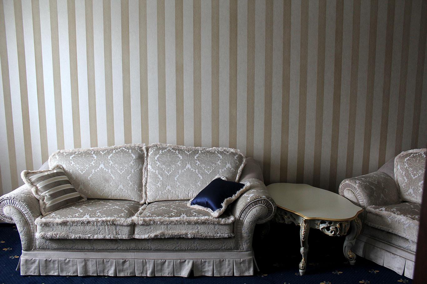 hotel-camelot-07.jpg