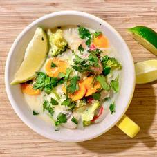 Thaise maaltijdsoep met mihoen, broccoli en wortel