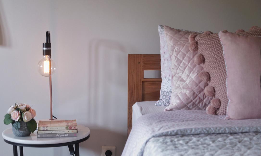 pink bedroom2.jpeg