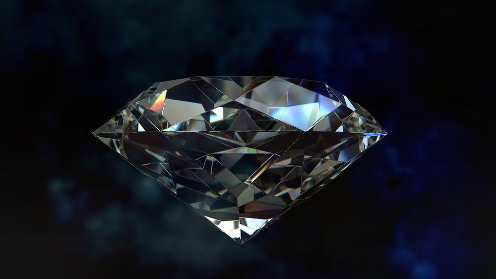 Bei der Diamantbestattung werden ca 200 gr. Asche oder Haare zu einen synthtischen Diamanten gepresst.