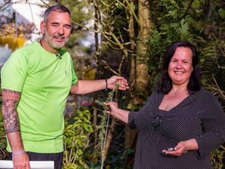 Baum der Erinnerung in Petersberg gepflanzt – Über Suizid offen reden