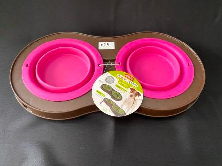 Collapsible Pet Bowls on Stand