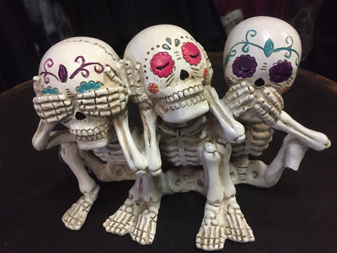 see no,hear no skulls