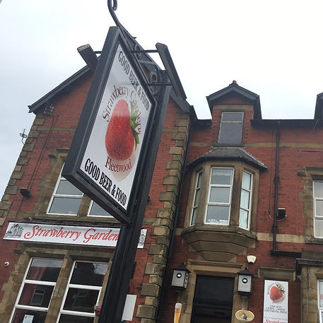 strawberry-gardens-pub-bistro-fleetwood-