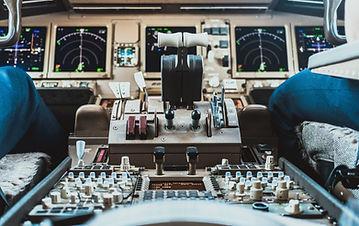 737 Airline Cockpit