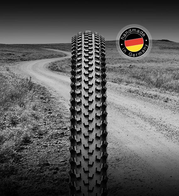 Détail crampons pneu Continental Cyclo-Cross