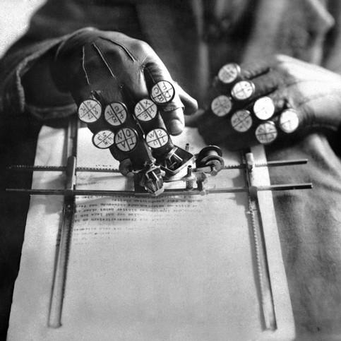 Gamper Glove Typewriter