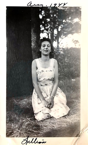 Lillian Kazura 01.jpg