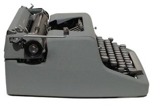 Gray Royal Quiet de Luxe Portable Typewriter