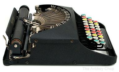 Remington Bantam Typewriter from AntikeyChop.com
