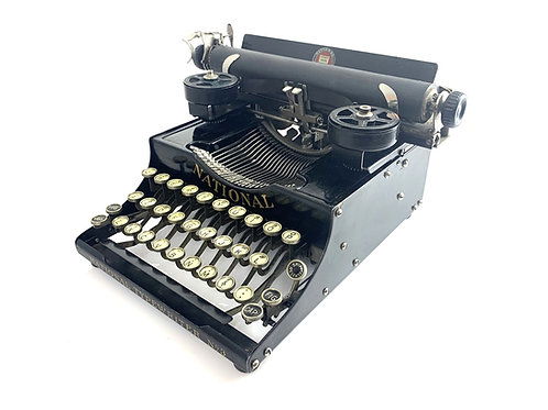 Antique 1918 NATIONAL No.3 PORTABLE TYPEWRITER with Case