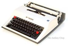 Montgomery Ward Escort 55 Typewriter