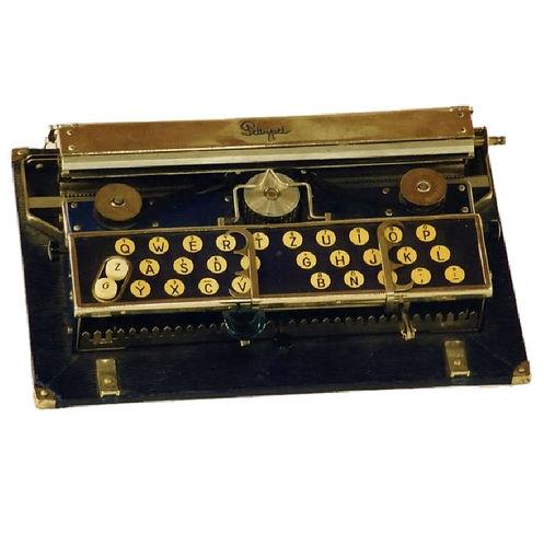 Pettypet Typewriter