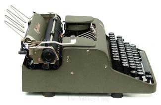 Optima Elite Typewriter