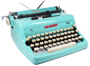 Blue Royal Quiet de Luxe Portable Typewriter