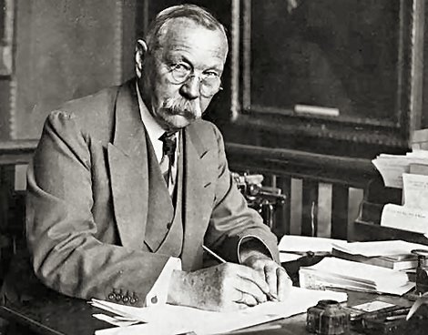 Writer Sir Arthur Conan Doyle