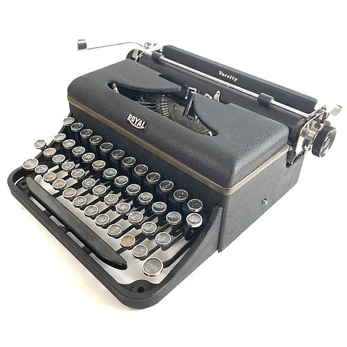 Restored Royal Varsity Portable Typewriter (Very Good)