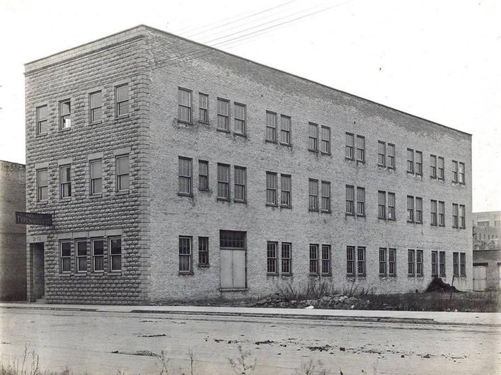 Molle Typewriter Factory