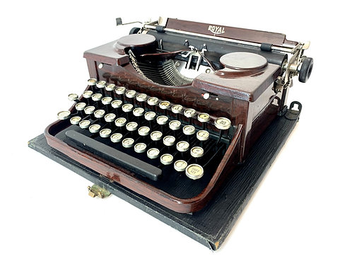 1930 Royal Model P Portable Typewriter with Case ; Working