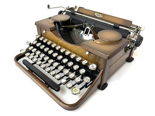 1930 Duo Tone ROYAL MODEL P TYPEWRITER w/Case