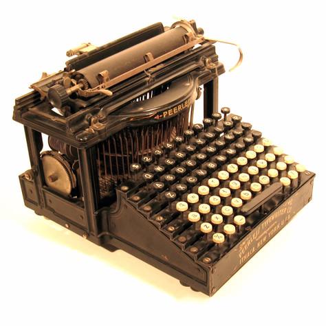 Peerless Typewriter