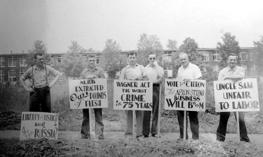 Picketers outside Remington-Noiseless Typewriter Factory in Middletown, Connecticut, ca.1936