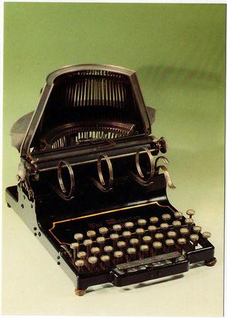 Waverley Typewriter