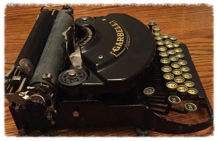 Garbell Portable Typewriter No.3