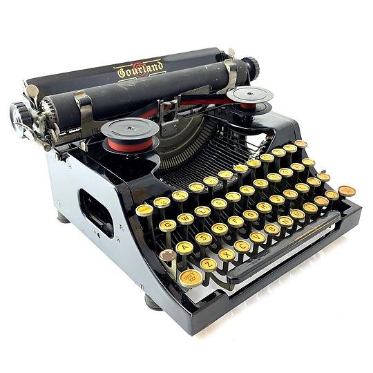 Gourland Typewriter S.N. 1037 (6).jpg
