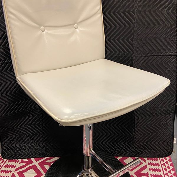 #1248 Bar Stools (Set of 2) $100