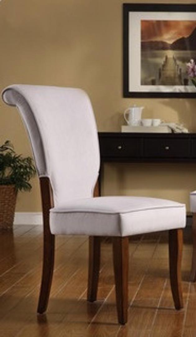 #311 White Dining Chairs (Set of 6) $510