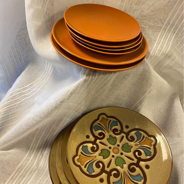 #1250 Decorative Plates $15