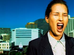Stress (abbauen) bei der Arbeit - 5 Hauptursachen und mögliche Lösungen