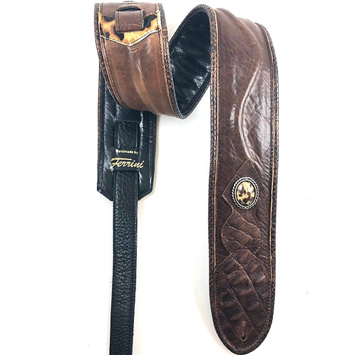 Guitar strap in brown leather