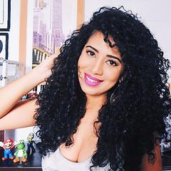 Blogueira,Virginia Vieira depoimento sobre a umidihair
