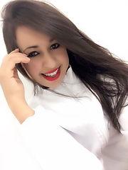 Blogueira Patricia Soares, falando sobre a umidihair
