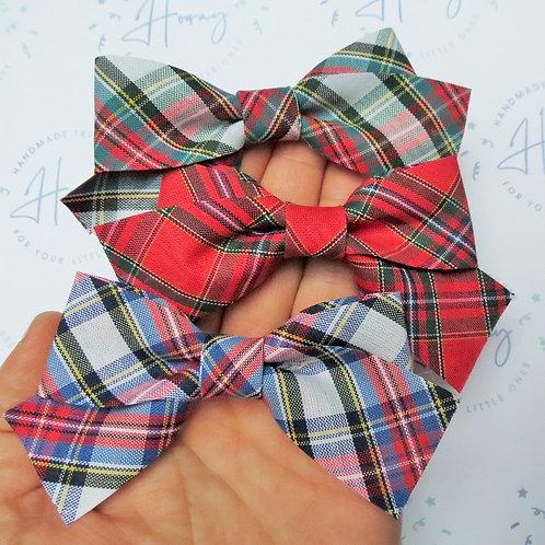 handmade tartan hair bows front view