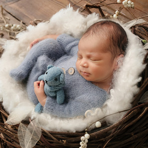 Best Newborn Photographer Melbourne