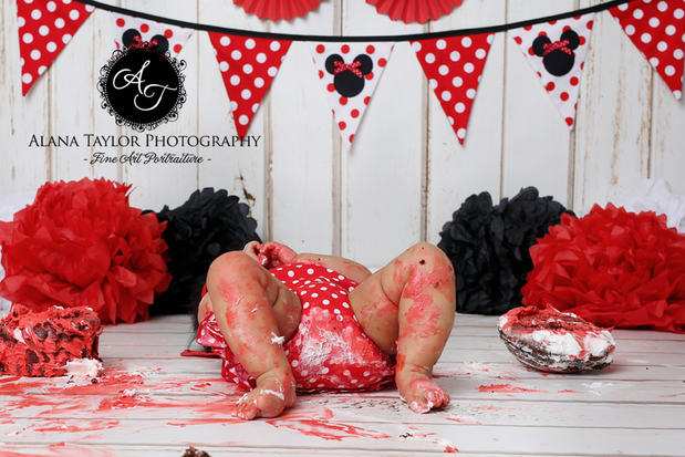 Minnie Mouse Cake Smash | Alana Taylor Photography ...