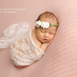 Newborn Baby Photographer Melbourne - Newborn settling and behaviour techniques
